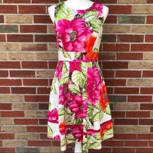 🌷 Eliza J Sleeveless Floral Keyhole Dress
